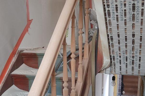 jb-zandstralen-houten-trap11D2951D57-19BC-0329-28B8-8AD6705DFD42.jpg