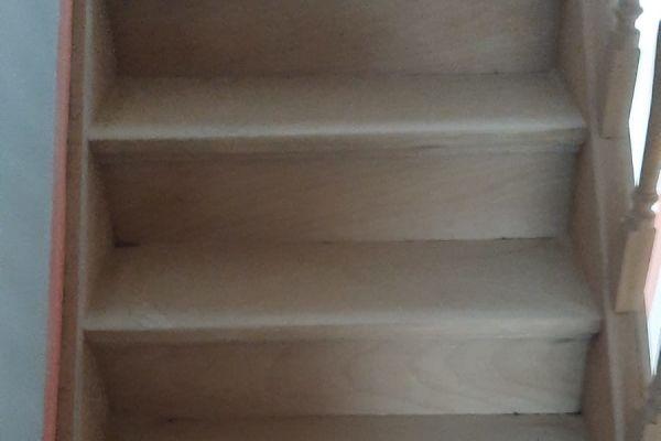 jb-zandstralen-houten-trap6EBFFAA70-247E-8FC5-D3AA-71882B13B80C.jpg