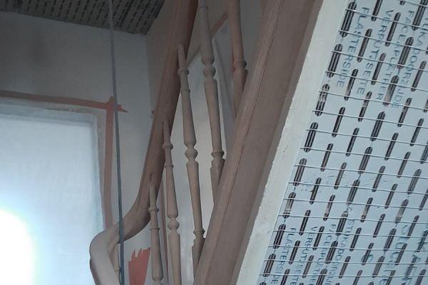 jb-zandstralen-houten-trap98F1CFC2E-BC29-D5A6-F301-1F684DF6D5C1.jpg